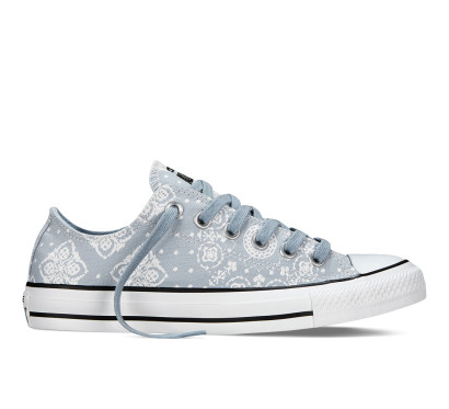 Chuck Taylor All Star Bandana Print