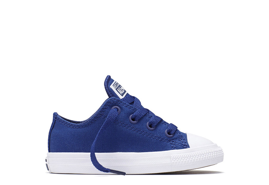 Infant Chuck Taylor All Star II Ox Solid Blue