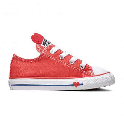 CHUCK TAYLOR ALL STAR SUCKER FOR LOVE