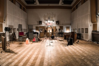 CONVERSE RUBBER TRACKS: DAMON ALBARN AND GRAHAM COXON W ABBEY ROAD STUDIOS