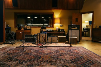 CONVERSE RUBBER TRACKS – AVAST RECORDING CO. SEATTLE